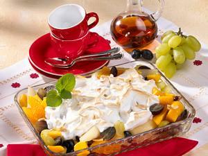 Überbackener Fruchtsalat mit Eischneehaube Rezept