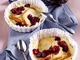 Überbackener Zitronenkuchen auf Vanillepudding mit Kirschkompott Rezept