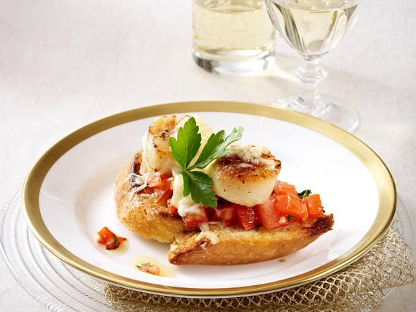 Überbackenes Ciabatta mit Tomatenconcassée und Jakobsmuschel Rezept