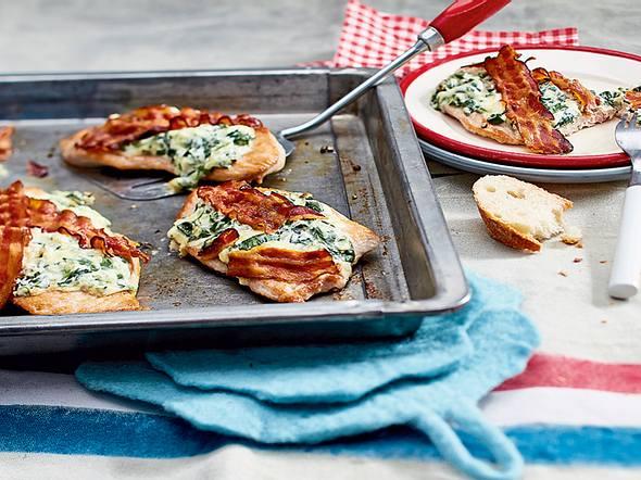 Überbackenes Putenschnitzel mit Käse-Spinat-Creme Rezept