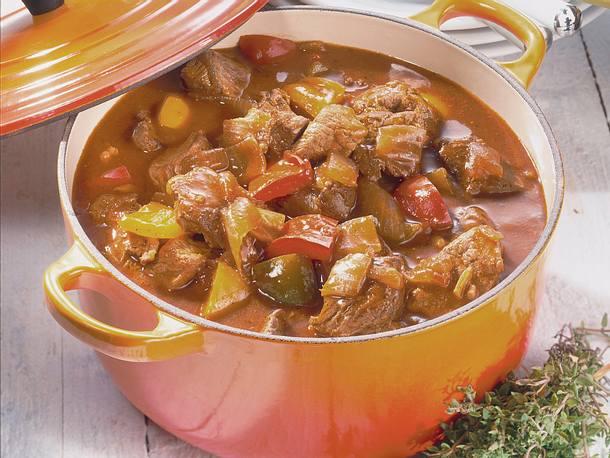 Ungarisches Paprika-Gulasch Rezept