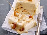 Vanille-Karamell-Parfait mit Meersalz und Macadamia Rezept
