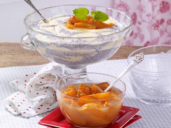 Vanille-Mohn-Creme mit Marillenkompott Rezept