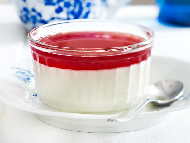 Vanille-Panna-Cotta mit Granatapfelsoße Rezept