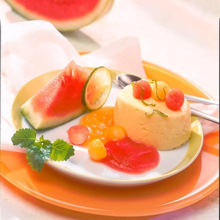 Vanille-Sahneflan auf Melonenspiegel Rezept