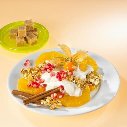 Vanillejoghurt mit Zimt-Knusperhaferflocken und Orangen Rezept