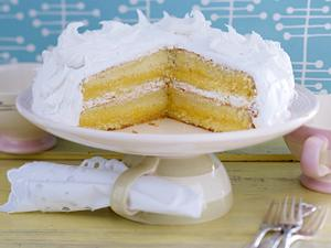 Vanillekuchen mit Lemon Curd und Frosting (Rezept Cynthia Barcomi) Rezept