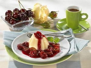Vanillepudding mit Kirschkompott Rezept