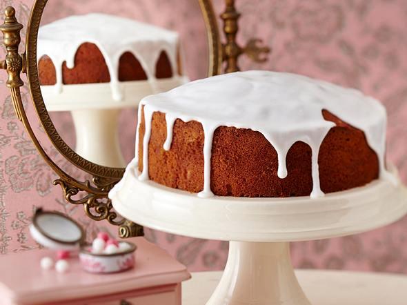 Vanillerührkuchen mit Zuckerguss Rezept