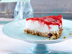 Veganer Erdbeer-Käsekuchen mit Crunchy-Boden Rezept