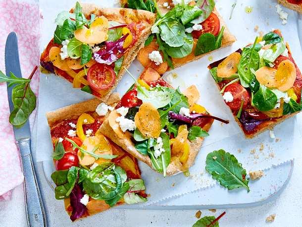 """Veggie-Pizza """"Colour Beauty"""" aus Dinkelteig  Rezept"""