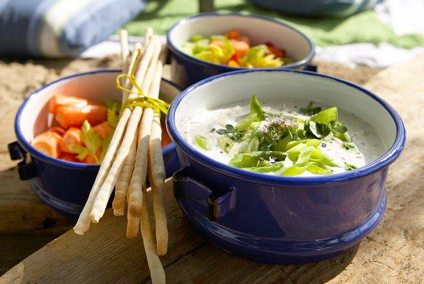 Veggies mit Joghurt-Dip Rezept