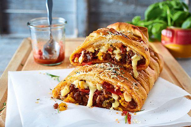 Verschärfte Burritopizza mit Hack und Paprika Rezept