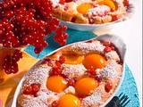 Versunkene Früchte (Aprikosen und Johannisbeeren) in Mandelrührteig Rezept