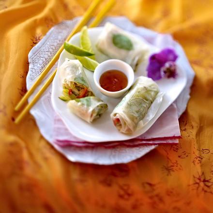 Vietnamesische Frühlingsrollen mit Glasnudelsalat (Komplettthema vegane Asiaküche) Rezept