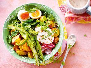 VöllerEi im Grünen mit Sesamkartoffeln Rezept