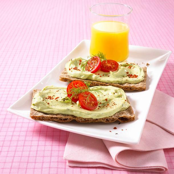 Vollkorn-Knäcke mit Avocadocreme (Diät) Rezept