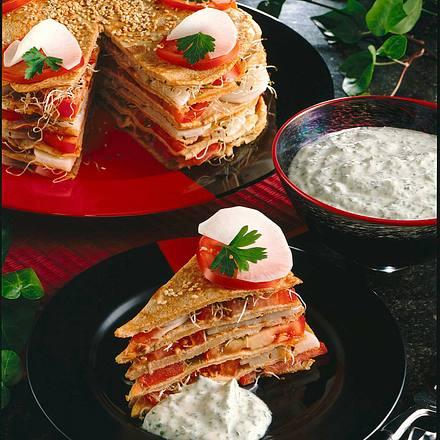 Vollkorn-Pfannkuchentorte mit Salatfüllung Rezept