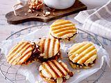 Waffelsandwiches mit Nussnougatcreme-Füllung Rezept