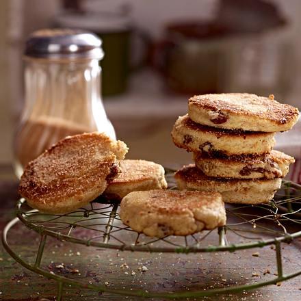 Waliser Pfannkuchen mit Rosinen und Zimt (Welsh Cakes) Rezept