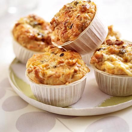 walnuss muffins mit roquefort rezept chefkoch rezepte. Black Bedroom Furniture Sets. Home Design Ideas