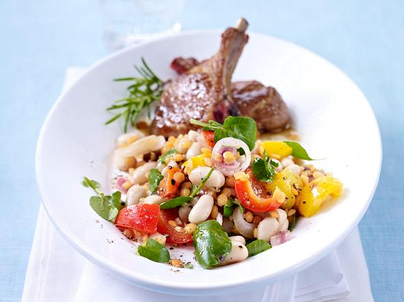Warmer Bohnen-Paprika-Salat zu Lammstielkoteletts Rezept