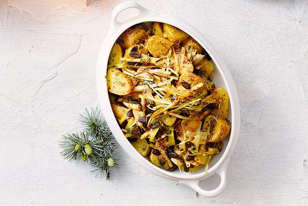 Warmer Kartoffelsalat fix gemacht und gleich serviert. Und mit Meerrettich aufpoliert Rezept