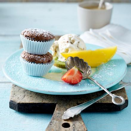 Warmer Schokoladenkuchen an geeister Vanillesoße (VOX Promi-Dinner Jürgen Drews) Rezept