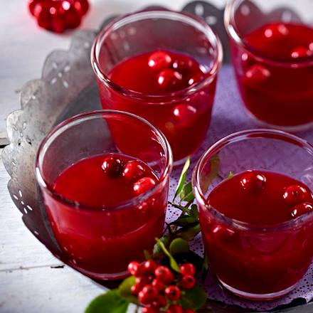 Warmer winterlicher Beeren-Cocktail Rezept