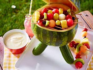 Wassermelonen-Grill mit Fruchtspießen Rezept