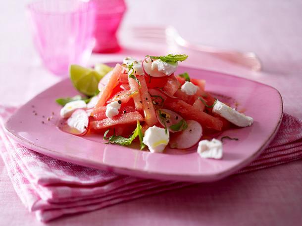 Wassermelonensalat mit Ziegenkäse und Minze Rezept