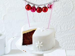 Weihnachtlicher Früchte-Schoko-Kuchen Rezept