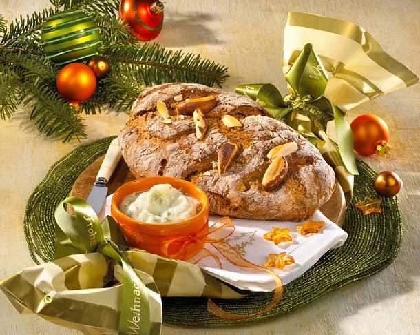 Weihnachtliches Nussbrot mit Gänseschmalz Rezept