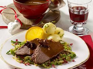 Weihnachts-Sauerbraten mit Wirsinggemüse Rezept
