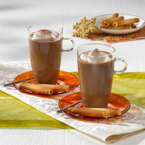 Weihnachts-Schokolade mit Baileys-Sahne Rezept