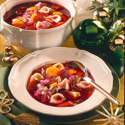Weihnachtsborschtsch mit Steinpilzöhrchen Rezept