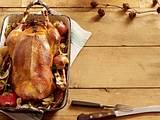 Weihnachtsgans mit Apfel-Rotweinsoße Rezept