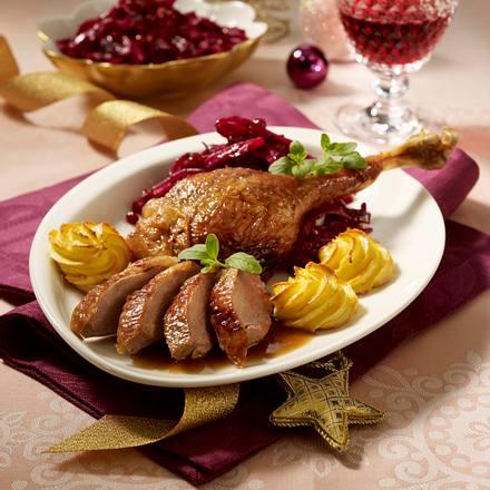 Weihnachtsgans mit Preiselbeer-Rotkohl Rezept
