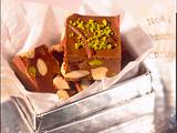 Weihnachtsschokoladen-Nuss-Würfel Rezept