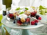 Weingelee mit Früchten Rezept