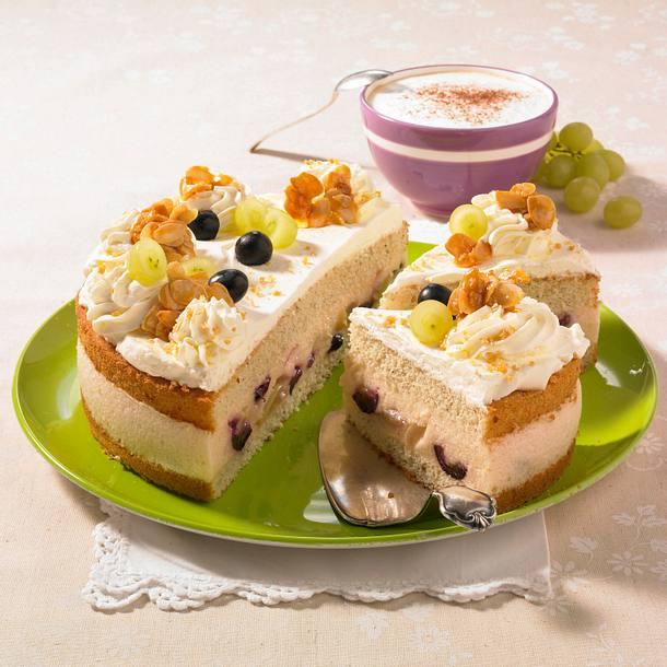 Weinschaum-Torte mit Trauben Rezept
