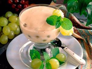 Weinschaumcreme mit Weintrauben Rezept