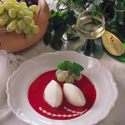 Weinsorbet mit Himbeerspiegel Rezept