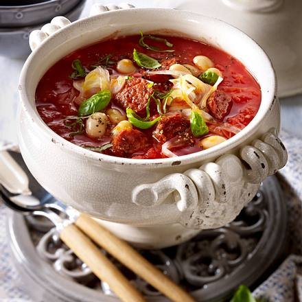 Weiße Bohnen-Tomaten-Suppe mit Fenchel und Chorizo-Wurst Rezept