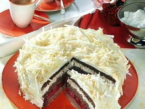 Weiße Schoko-Kirsch-Torte Rezept