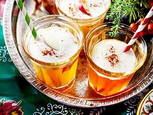 Weißer Orangen-Apfel-Glühwein Rezept