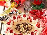 Weißes Schokoladen-Mousse mit Kirschsoße Rezept