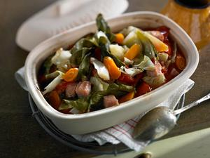 Weißkohl, Tomaten, Möhren und Kasselerwürfel aus dem Römertopf Rezept