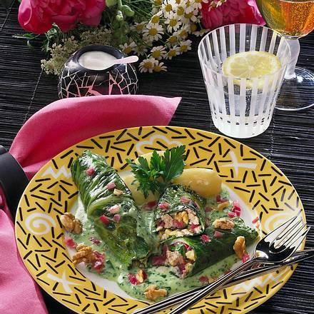 Weißkohlröllchen mit pikanter Ricotta-Füllung Rezept