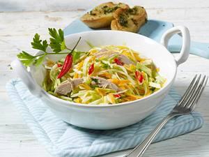 Weißkohlsalat mit Thunfisch und Möhren Rezept